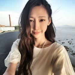 李荣浩前模特女友陆瑶性感美照曝光[图]