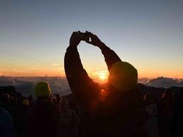 夏威夷哈雷阿卡拉火山的日出