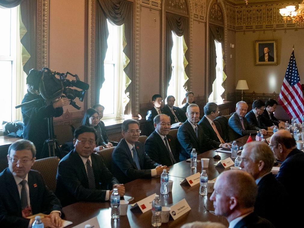 中美代表团贸易谈判细节:拍照时鲜见笑容(图)